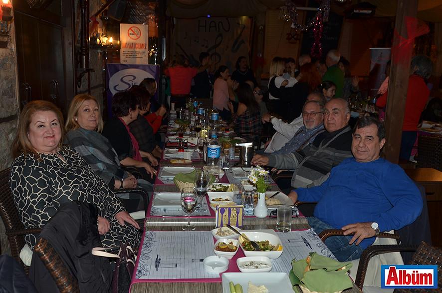 Tıp Bayramını Kutladılar ( Han Restoran)2