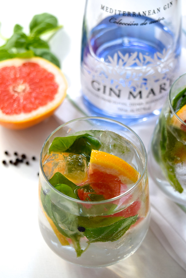 Grapefruit, Basil and Peppercorn Gin Mare & Tonics | www.rachelphipps.com @rachelphipps