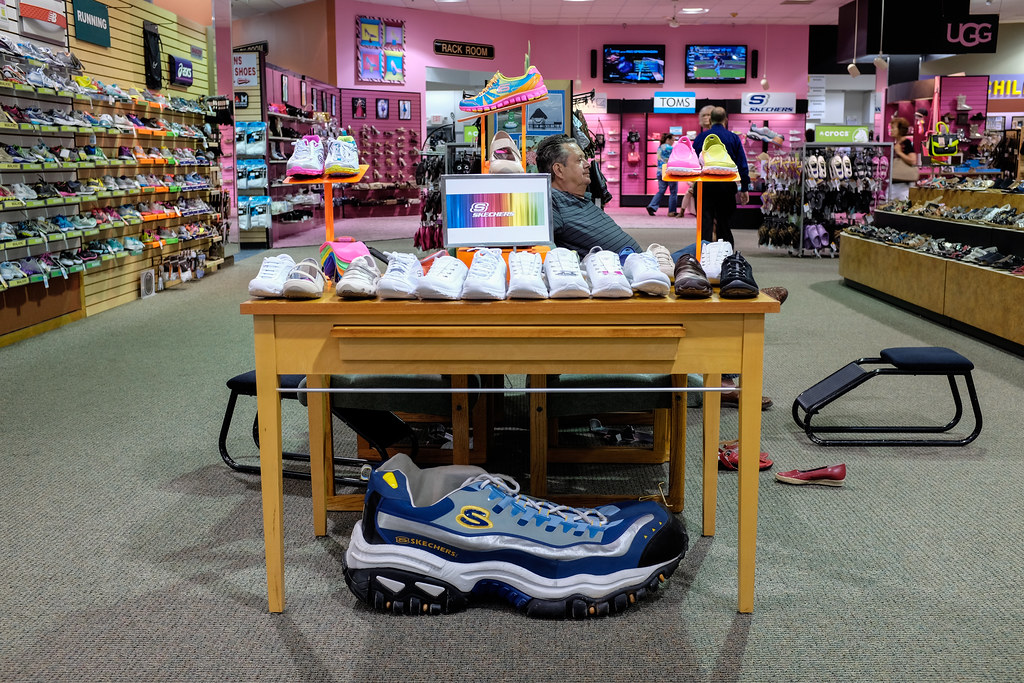 Shoe Store In Sharon Pa