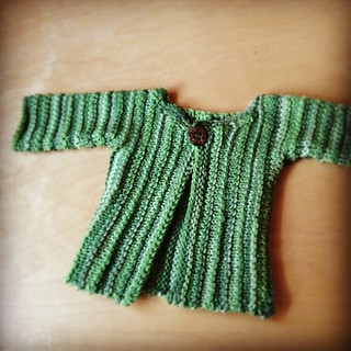 Tiny sweater. #babyknits #finallyfinishing | by quirky granola girl