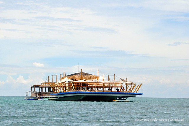 TawHai Floating Bar, Largest in Asia