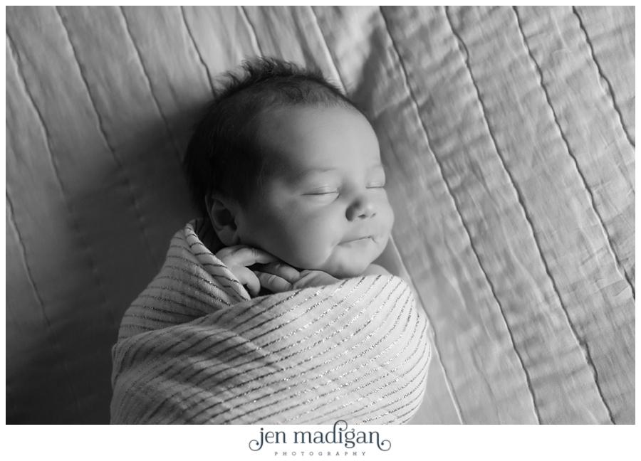 sydney-newborn-7-bw