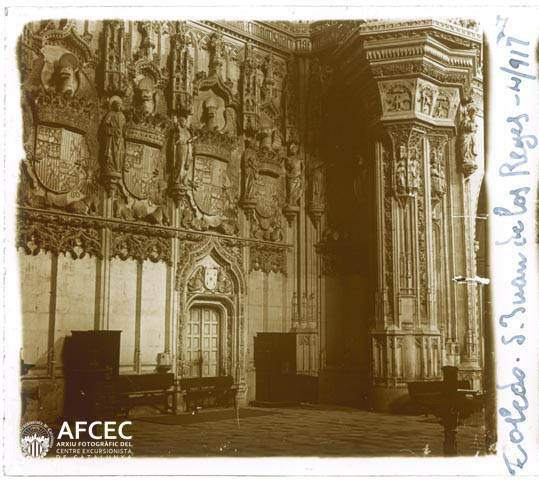 Interior de San Juan de los Reyes en abril de 1917. Fotografía de Francesc Blasi i Vallespinosa   © Centre Excursionista de Catalunya
