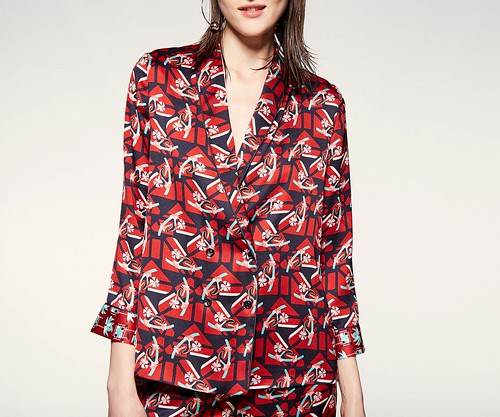 Sfera-chaqueta-estampada-tipo-pijama