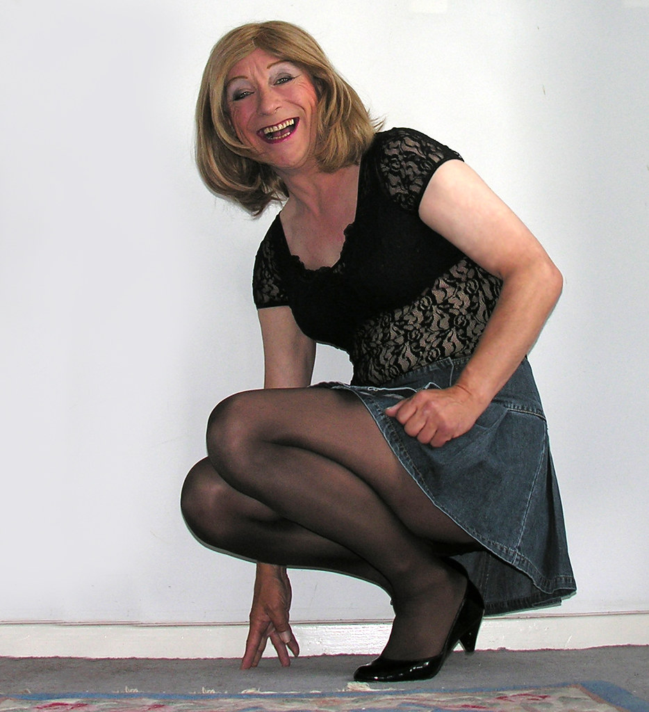 Share Crossdressed in pantyhose