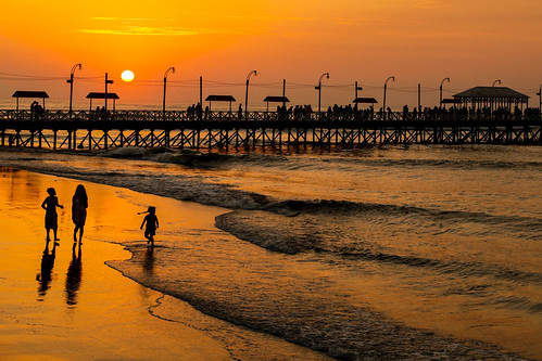 Down by the Pier, Huanchaco | by Geraint Rowland Photography