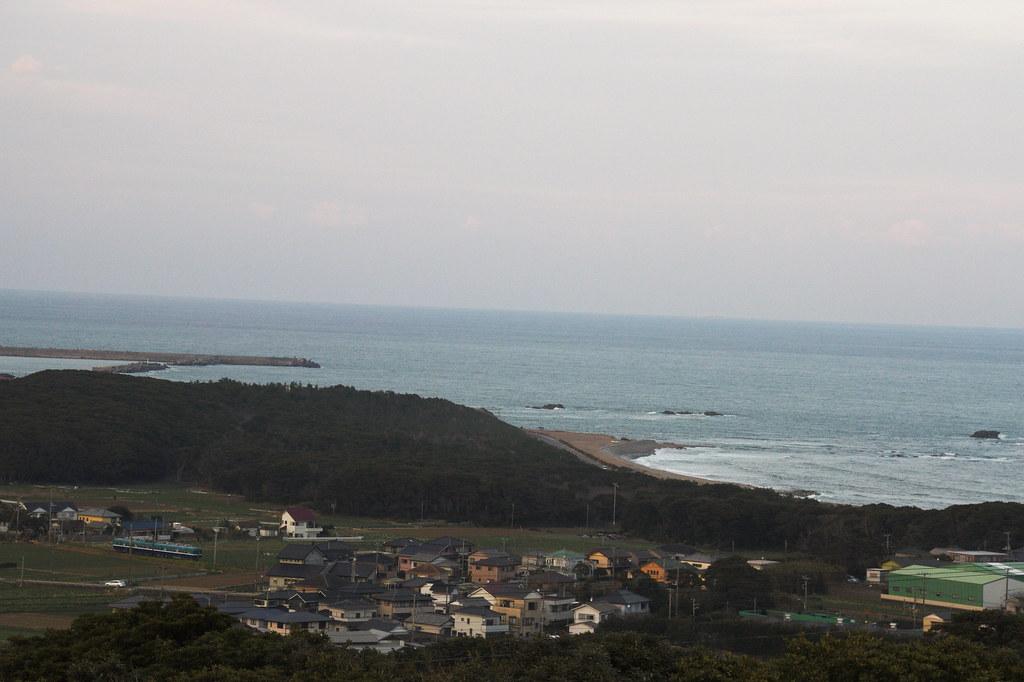 "View from the-earth-looks-round hill ""Chikyu-ga-maru-ku-mieru-oka"""