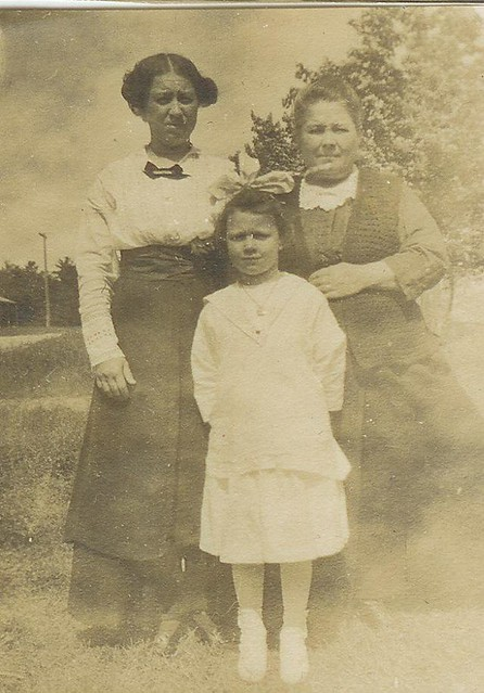 Bridget, Margaret and Rose c.1916