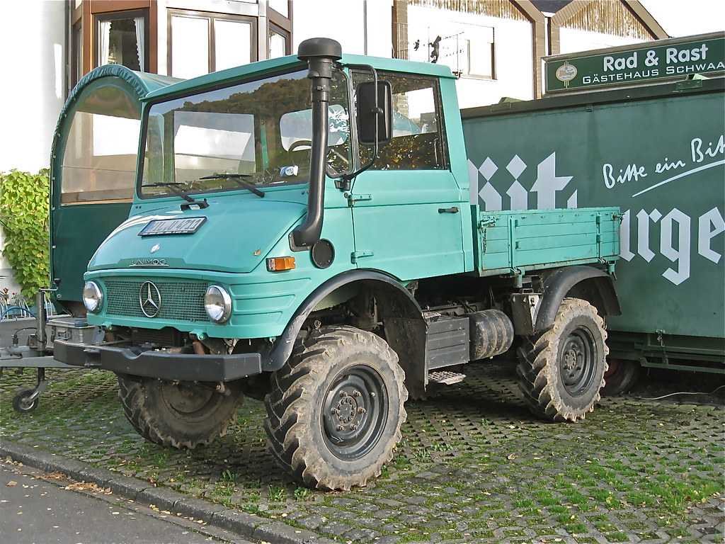 mercedes benz unimog small 4x4 truck these kind of all
