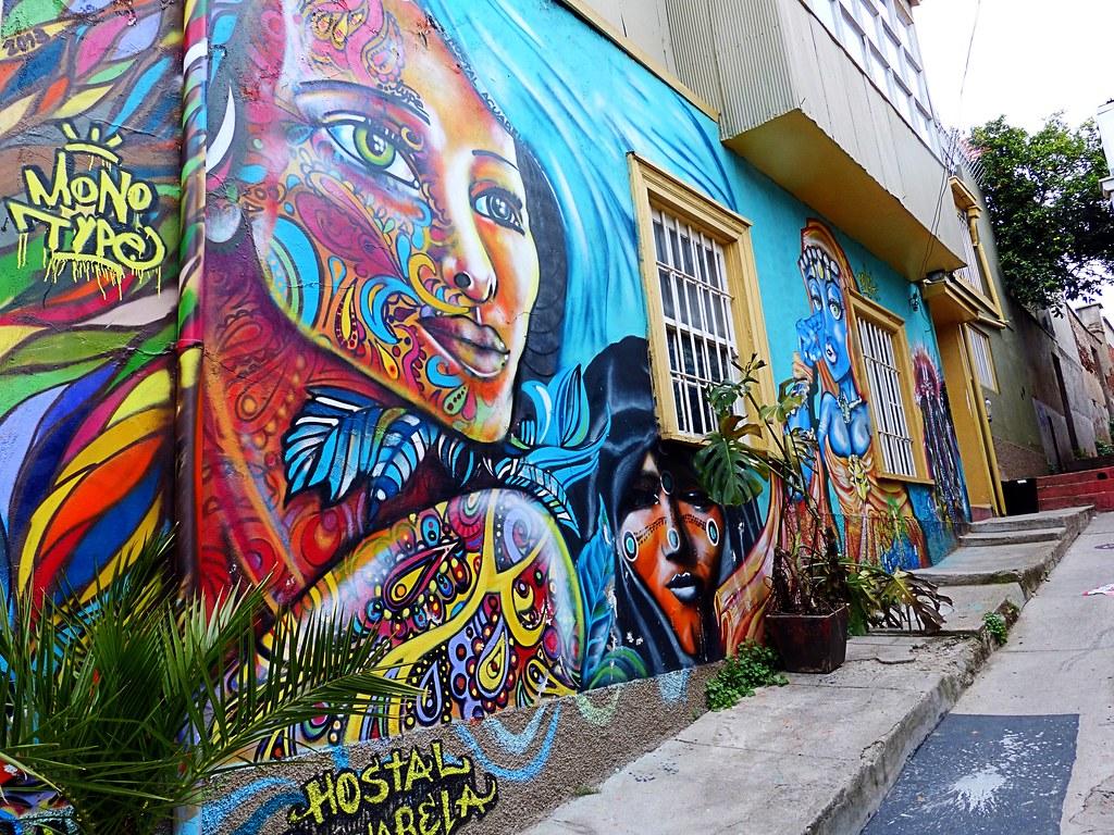 Mural en hostal valparaiso chile cris photos thanks for Mural metro u de chile