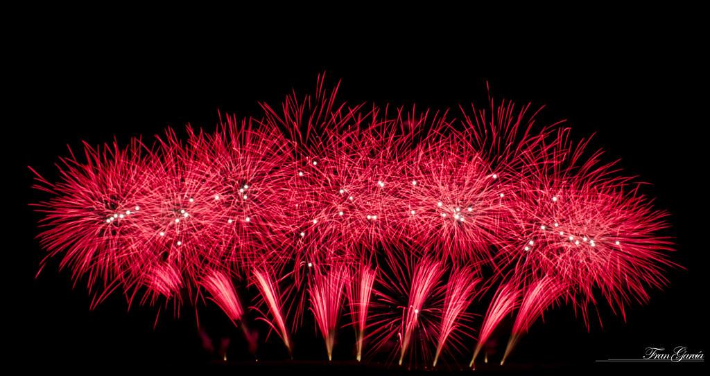 Fuegos Artificiales Rojos Fran Garcia Flickr