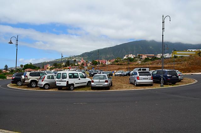 Roundabout etiquette, La Orotava, Tenerife