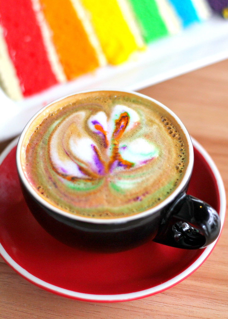 i-am-cafe-rainbow-latte