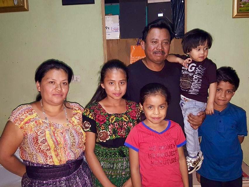 Drancy Lineth Gonzales Chavajay y familia (1)