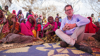 Bundesminister Dr. Gerd Müller visits Waaf Dhuug Temporary Settlement Site in Somali Region of Ethiopia | by UNICEF Ethiopia