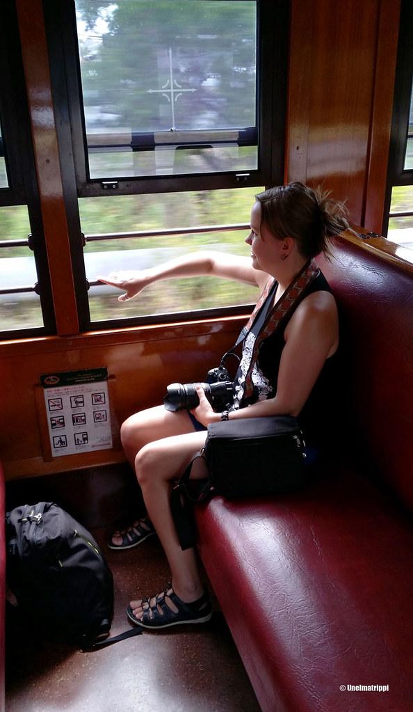 Jenni Kuranda Scenic Railwayn kyydissä