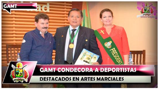 gamt-condecora-a-deportistas-destacados-en-artes-marciales