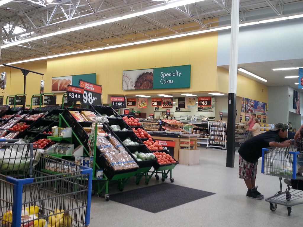 Wal-Mart Supercenter interior | Wal-Mart Supercenter #1773 ...