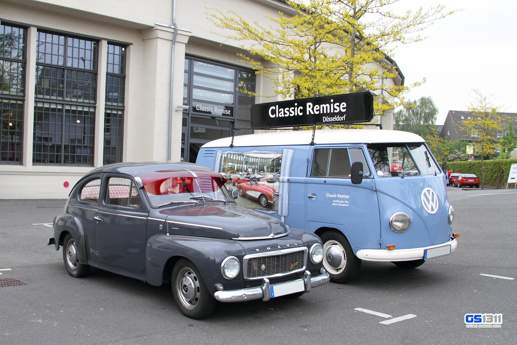 1958 - 1965 Volvo PV544 and 1950 - 1967 Volkswagen Bus T1 | Flickr