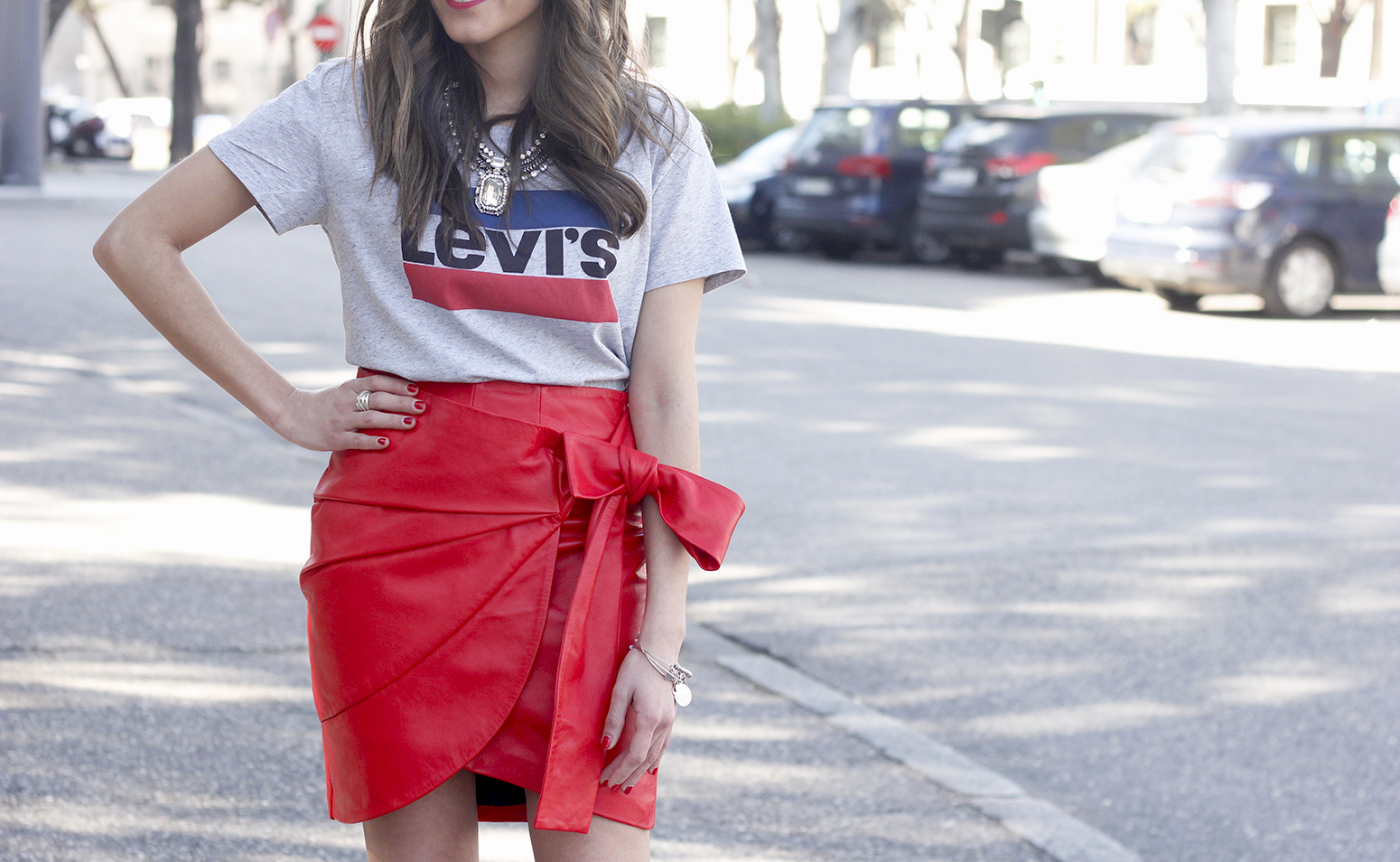 red leather skirt uterqüe Levi's T-Shirt nude heels outfit style fashion spring10