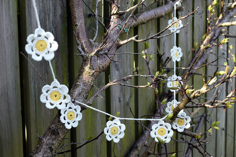 Crochet Daisy Chain