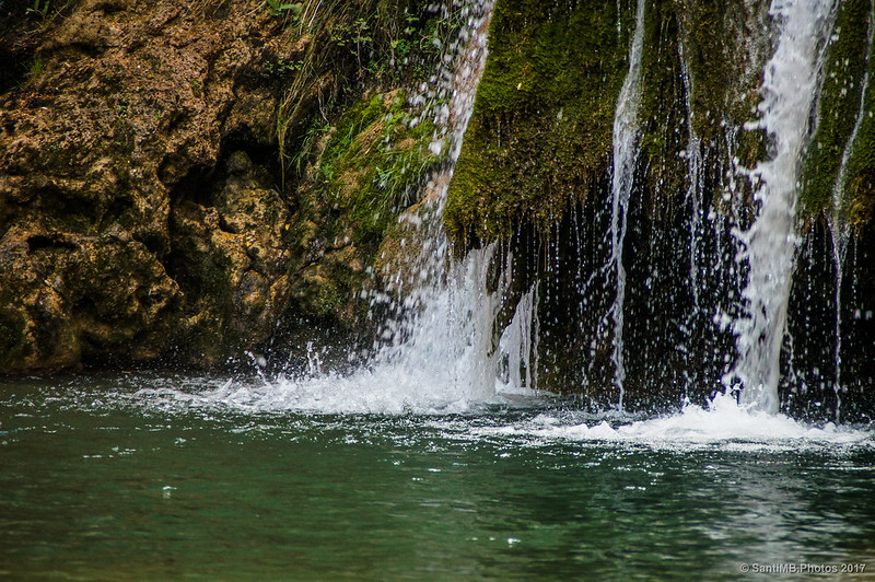 Caída de agua de la cascada del Niu de l'Àliga