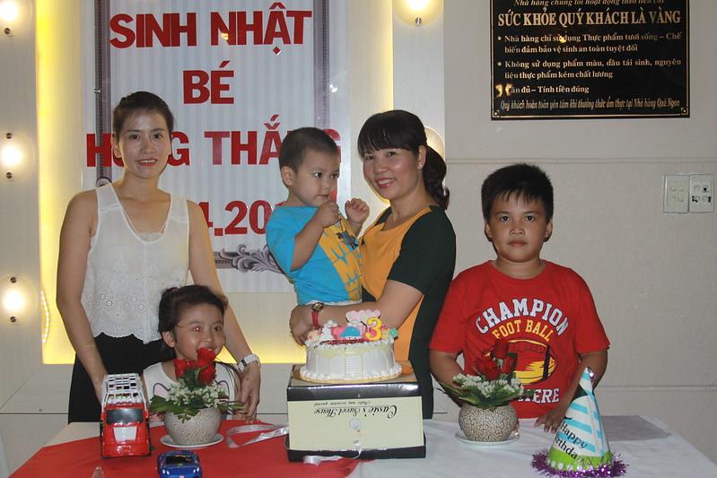 Tiệc sinh nhật bé Hùng Thắng