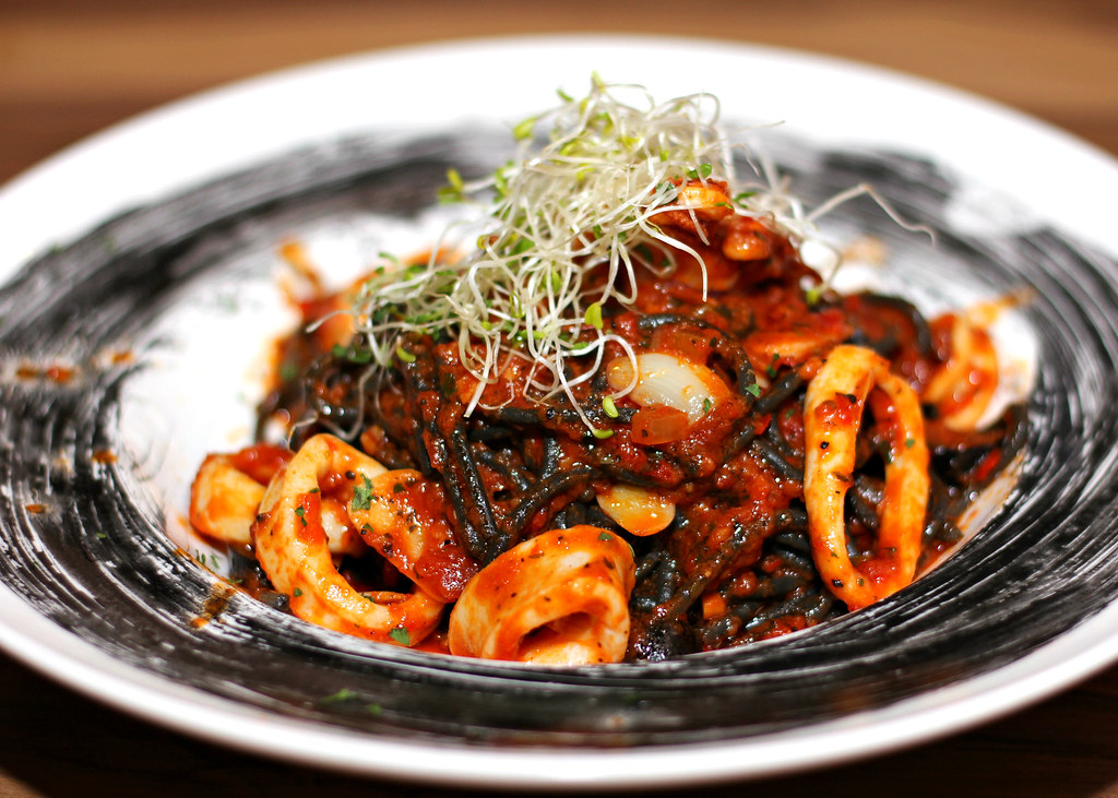 i-am-tampines-hub-squid-ink-意面
