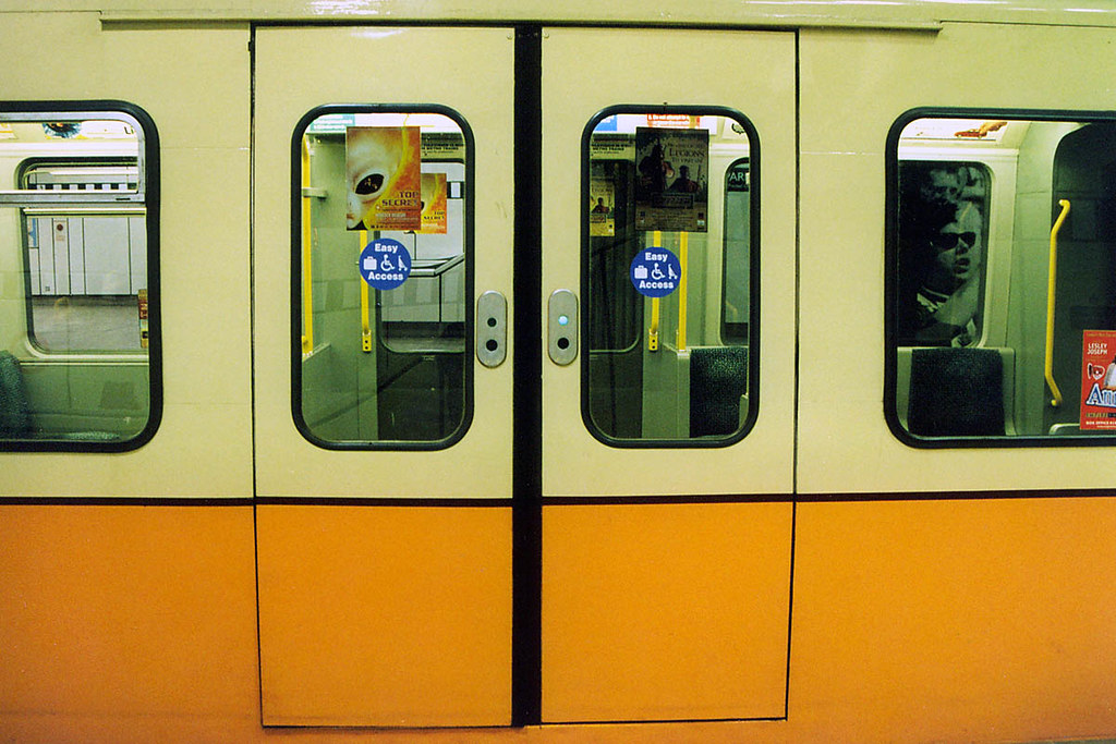 Tyne And Wear Metro Kiekert Plug Doors On 4001 By
