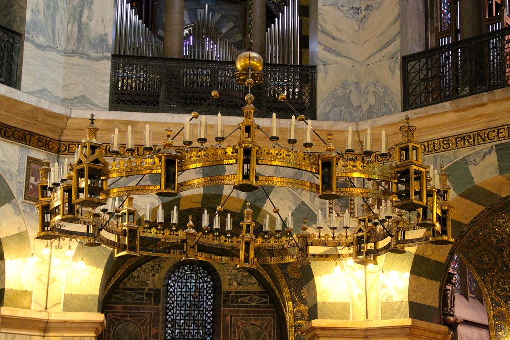 Barbarossaleuchter In Aachen Cathedral Aachen Cathedral S Flickr