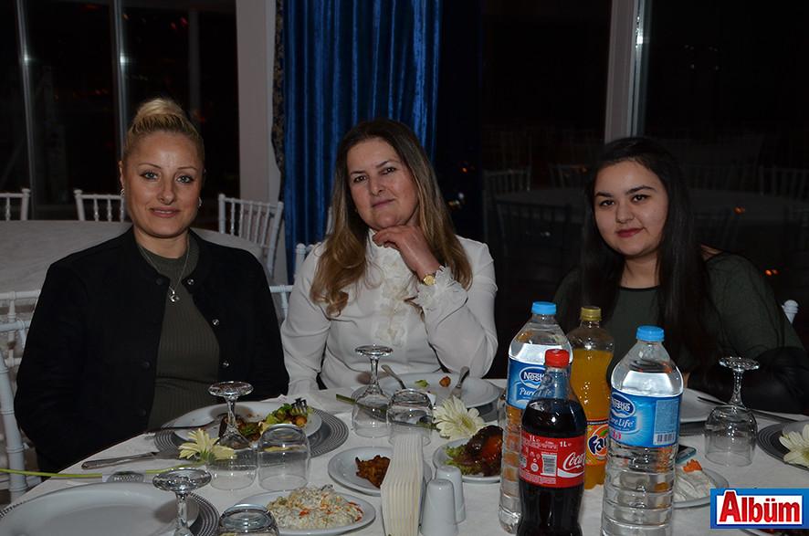 Yeşim Erdem, Fatma Şimşek, Sıla Şimşek