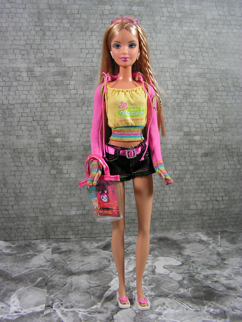 2006 Barbie Loves Benetton Fashion Fever United Colors of Benetton Capri K5354 (2)