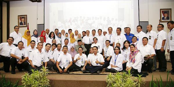 BJ Habibie dan Karyawan BP Batam