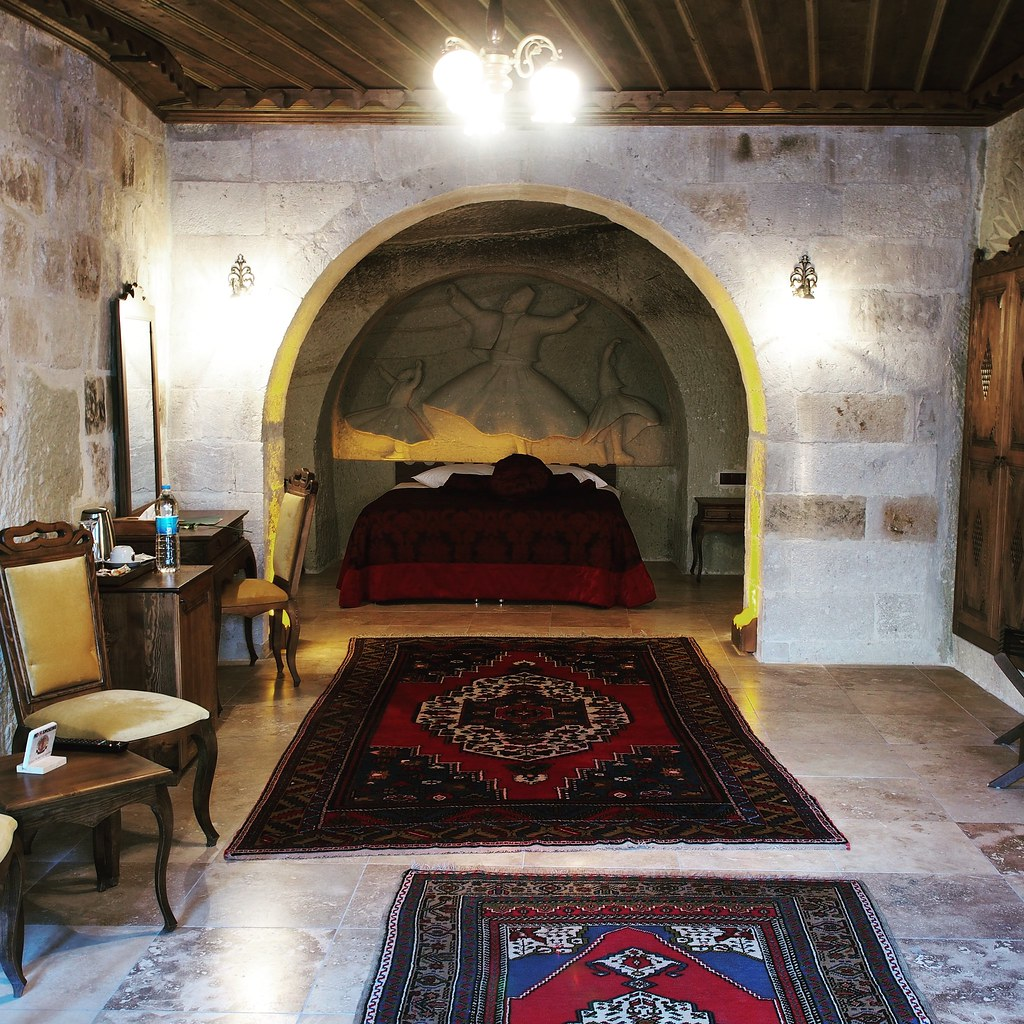 Phokas Cave Suites