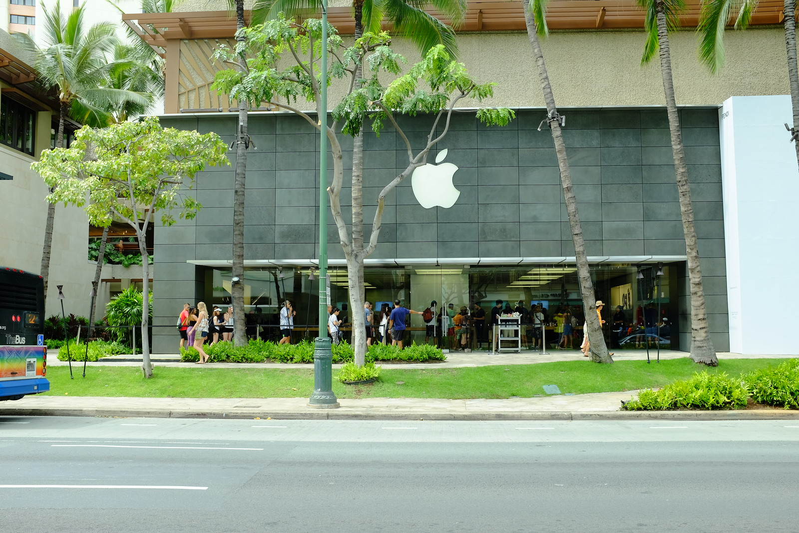 Apple Royal Hawaiian