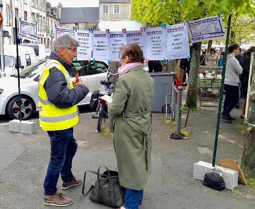 Yves Rouillé et la journaliste du Bessin 15 04 2017
