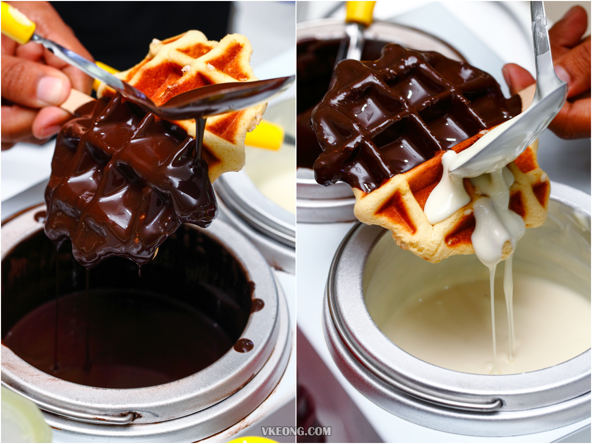 Lolli StickWaffle Coating Chocolate on Waffle
