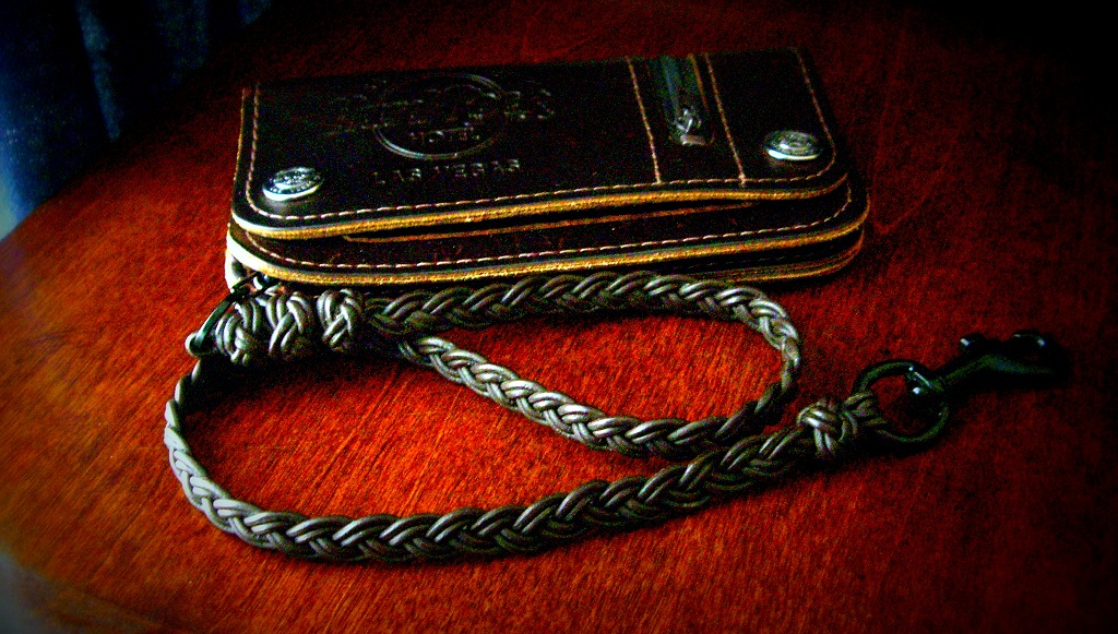 Wallet with flat braided leather lanyard i attached a for How to make a paracord wallet chain
