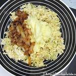 Wirsinggemüse mit Kartoffelpüree und Paprikazwiebeln