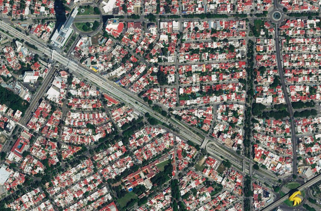 An intricate street pattern in Guadalajara