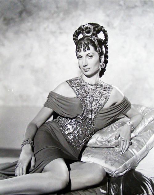 Patricia Laffan | Patricia Alice Laffan was an English ... Patricia Laffan Wikipedia