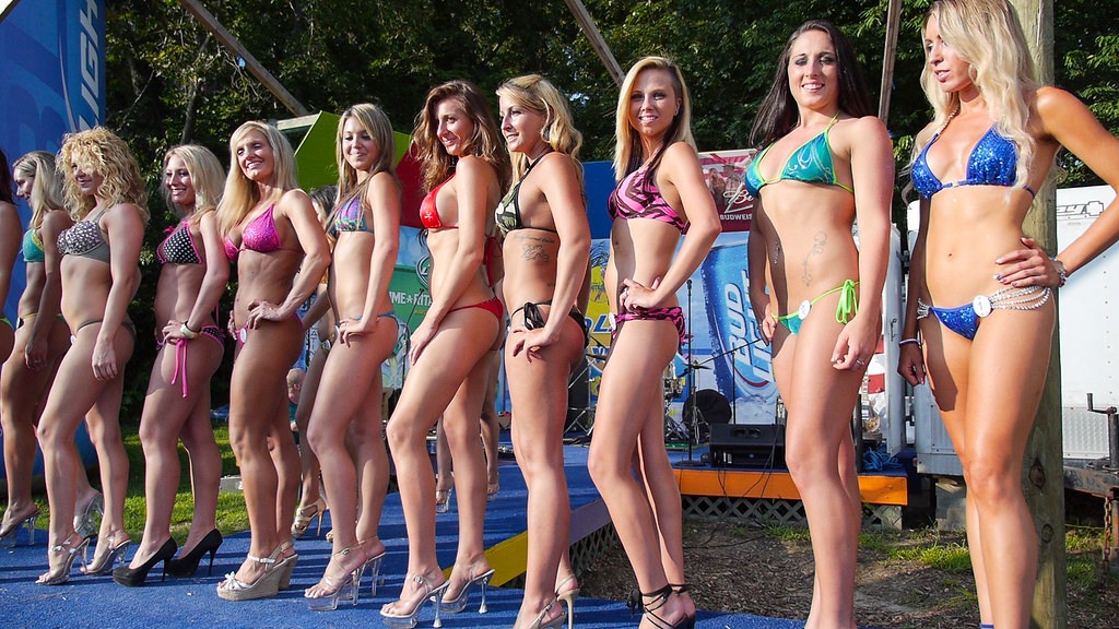 Bikini contest free photo