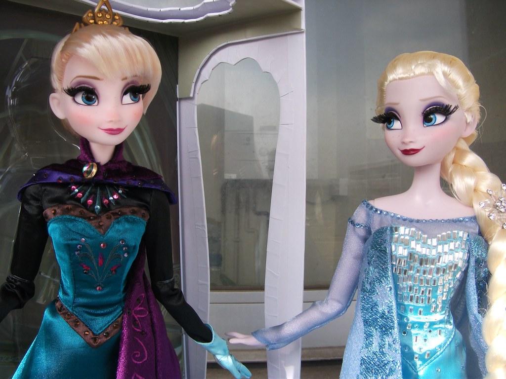 Snow Queen Elsa Doll Snow Queen Presents Elsa