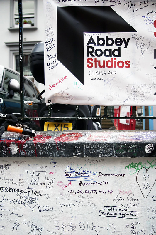 AbbeyRoadWall01