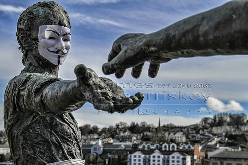 The Anonymous Peace Maker !