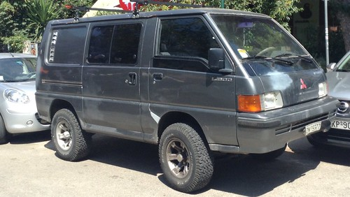 Market Trucks/vans- Mitsubishi L300 4x4