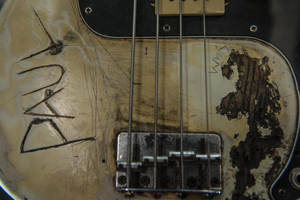 Paul Simonon bass