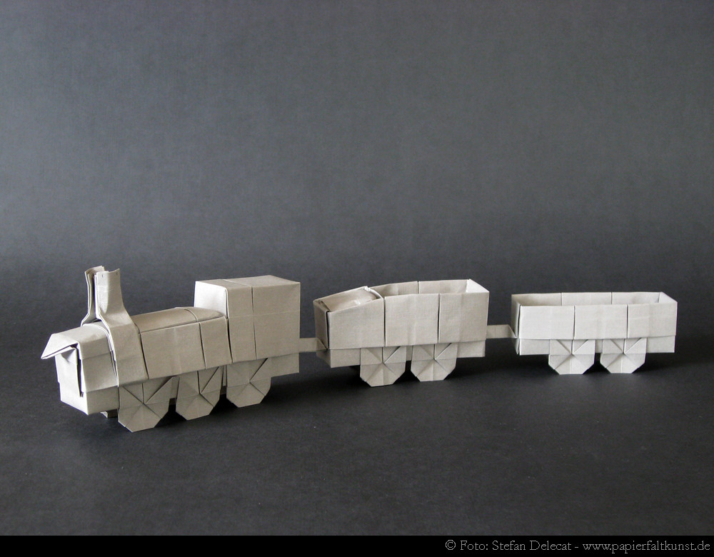 Train My Own Origami Design Medium Engine And Waggons Flickr
