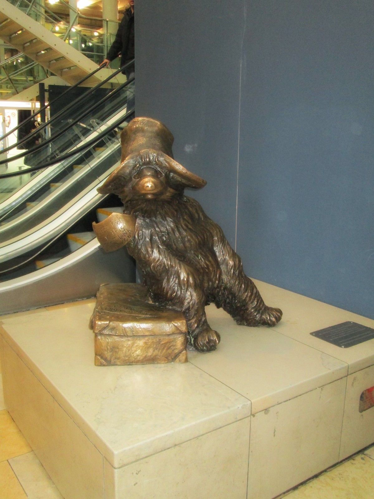 Paddington Statue-01