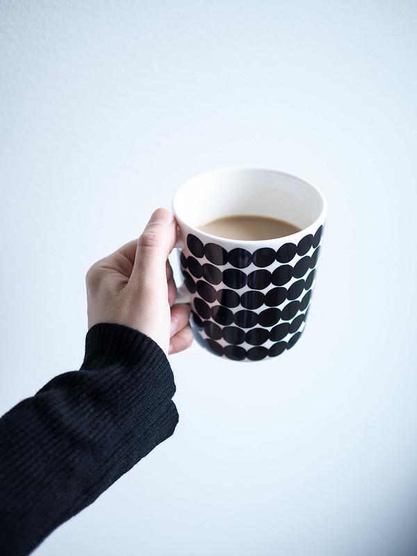 P1281643.jpgMarimekkoRäsymattoCoffeeMugBlackandwhite,P1281639.jpgMarimekkoRäsymattoKahvimuki, but first coffee, morning, aamu, mutta ensin kahvia, marimekko, muki, kuppi, mug, cup, mustavalkoinen, black and white, kahvi, coffee, kahvimuki, coffee mug, oiva muki, räsymatto, siirtolapuutarha, finnish design, suomalainen muotoilu, astiat, keittiö, kitchen, mantleimaito, almond milk, favorite cup, lempi kahvimuki, ruoka, food, juoma, drinks,